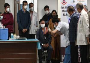 भारतमा पहिलो दिन करिब दुई लाखले लगाए कोरोनाविरुद्धको खोप