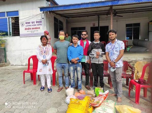 सामाजिक संजाल फेसबुकमा सक्रिय ग्रुप इटहरी रकर्सद्धारा मायाघर नेपालमा खाद्यान्न सहयोग